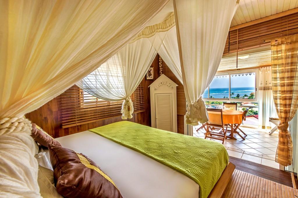 Chambre baldaquin Villa Marine Martinique